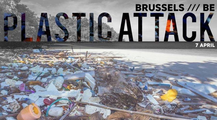 """Actualite Actualite Un supermarché du centre de Bruxelles cible d'une """"Plastic Attack"""": qu'est-ce donc?"""