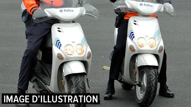 Actualite Actualite Bruxelles: une policière en scooter dérape et se blesse