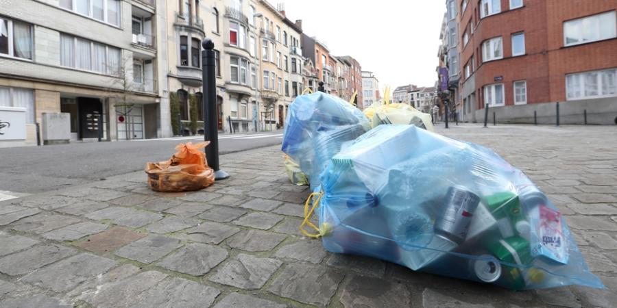 Actualite Actualite La grève des femmes perturbe la collecte des sacs poubelles à Bruxelles