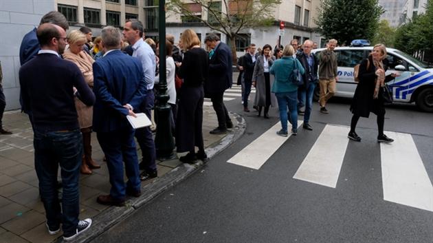 """Actualite Actualite Le parlement flamand évacué suite à une alerte à la bombe: """"Nous prenons cette menace très au sérieux"""""""