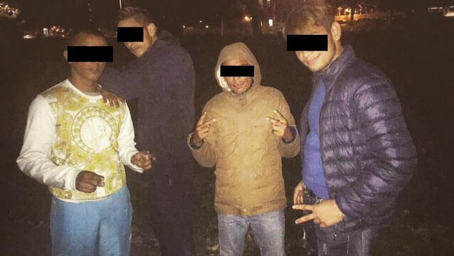 culture Culture Accusés d'avoir acheté une mineure pour l'obliger à se prostituer, les rappeurs «Le You» et «Aze2dine» nient en bloc, un 8e suspect privé de liberté