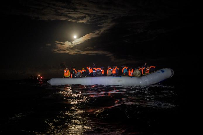 Actualite Actualite L'immigration illégale vers l'UE a baissé de 92% depuis 2015